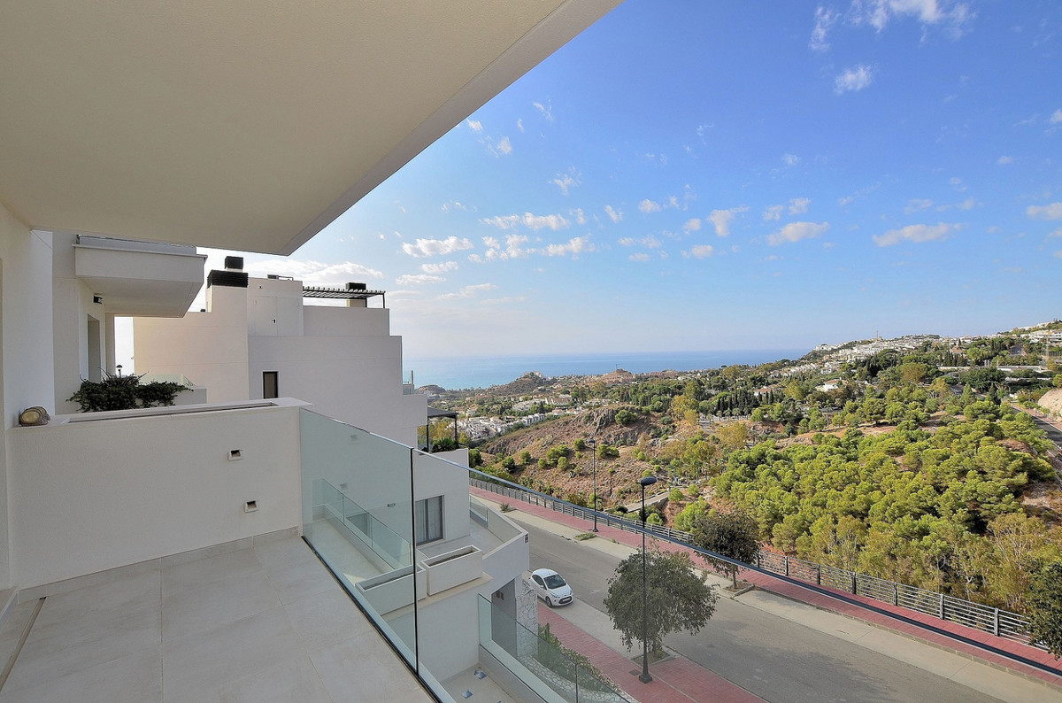 Apartment with BREATHTAKING VIEWS located in Benalmadena, a short distance from Xanit International ,Spain
