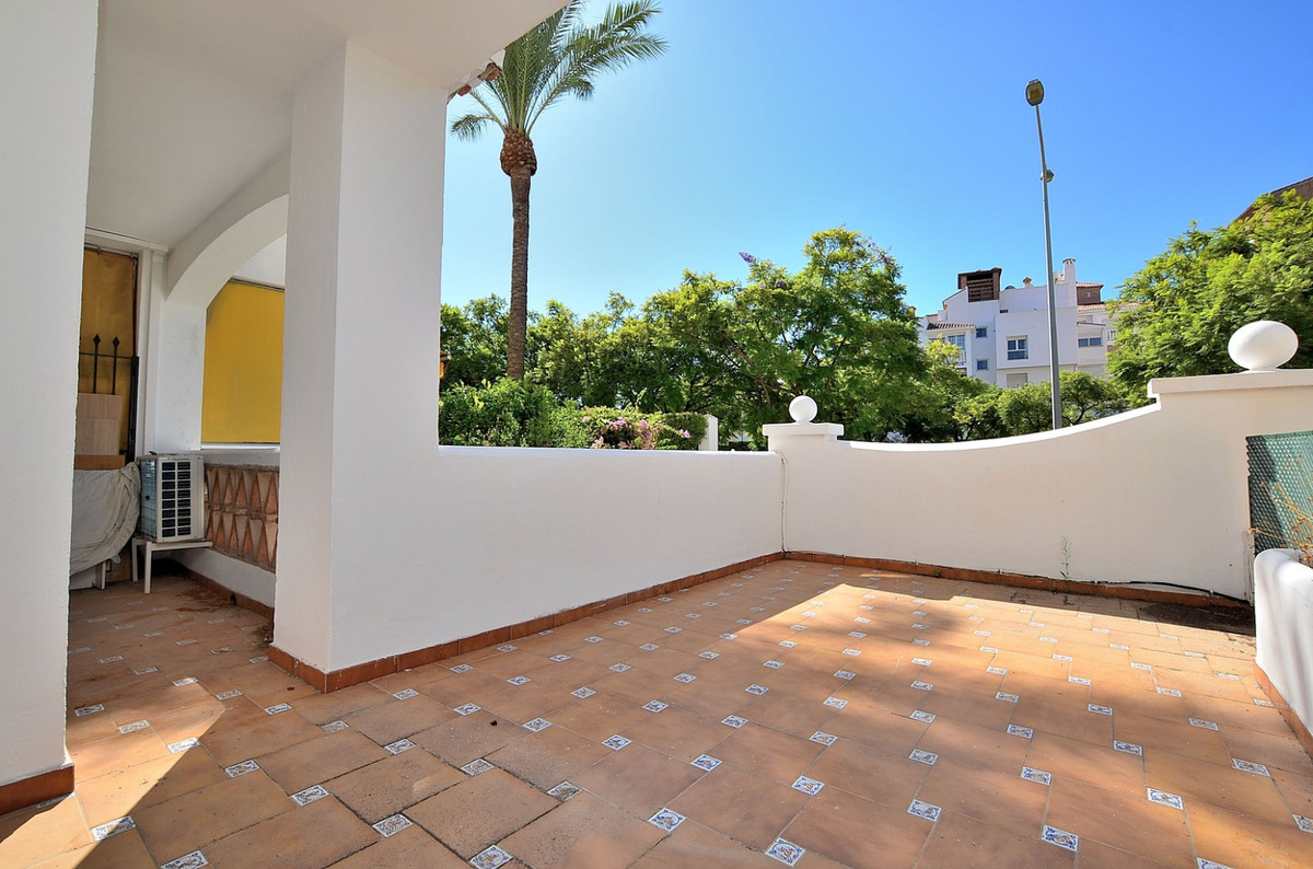 Apartment located in the renowned PARQUE DE LA PALOMA (Benalmadena), in a beautiful Andalusian-style,Spain