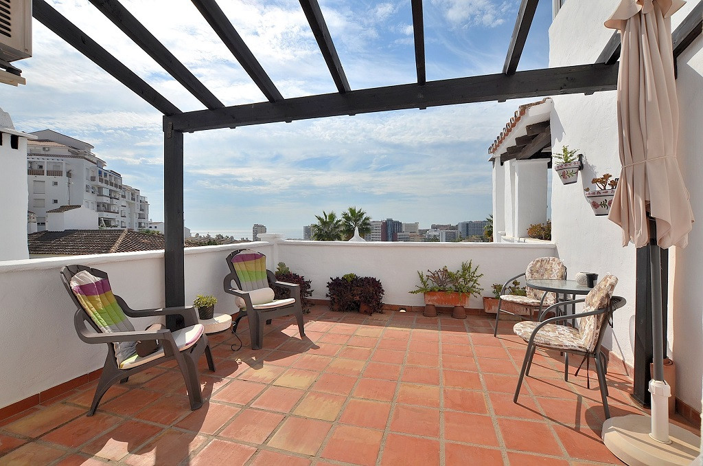 WONDERFUL APARTMENT WITH SEA VIEWS in the best location just 500 mts from the beach in Benalmadena C, Spain