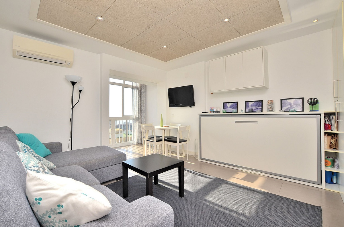 FULLY RENOVATED STUDIO located in Benalmadena Costa, in a popular complex in the area next to Parque,Spain