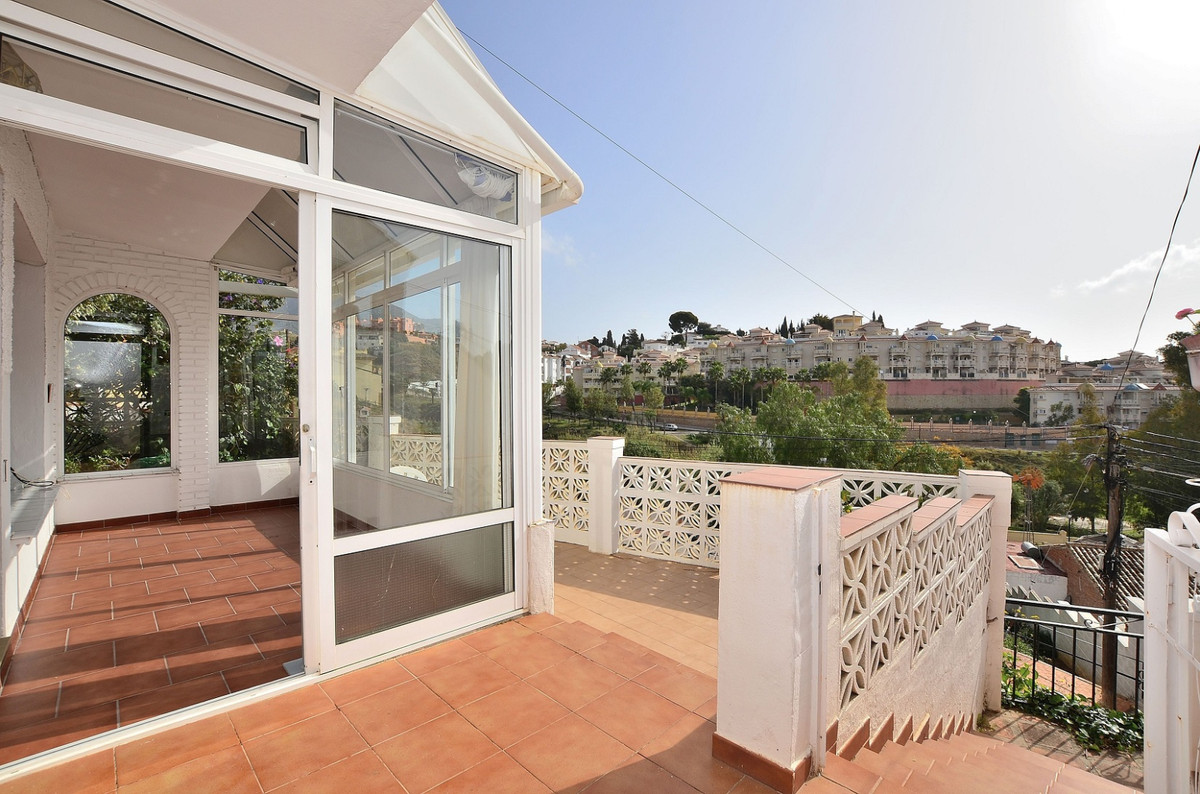 Fantastic SEMI-DETACHED with beautiful MOUNTAIN VIEWS located in Los Pacos (Fuengirola). Great locat,Spain