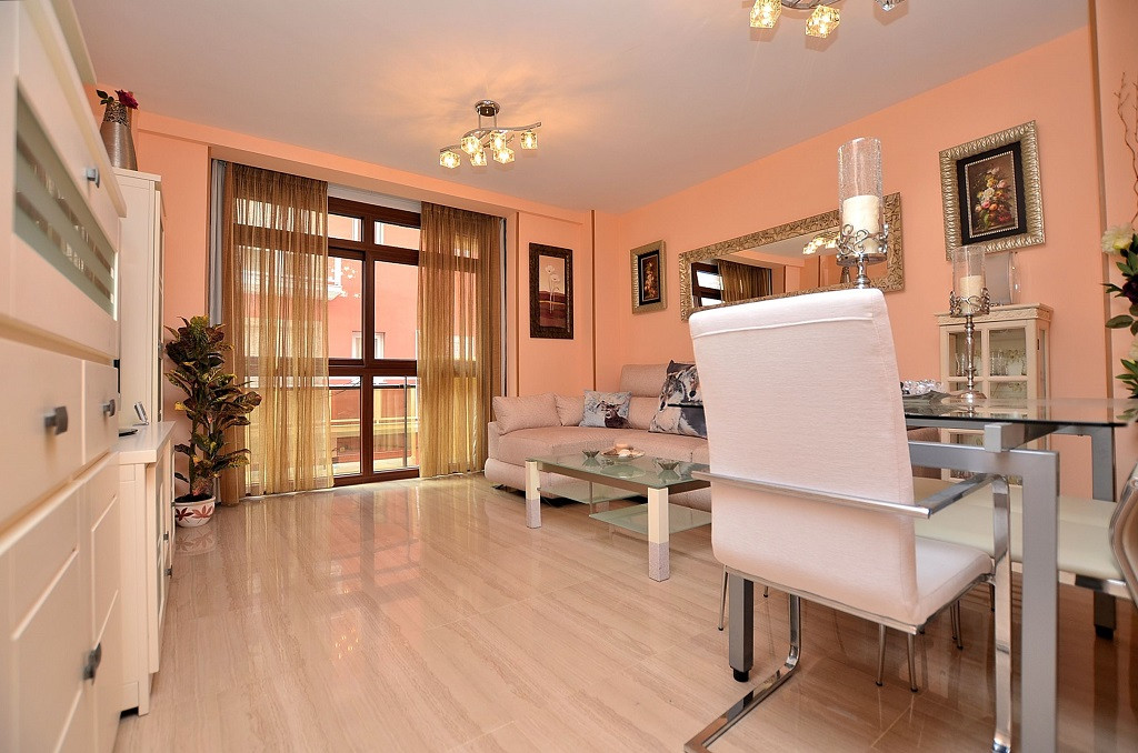 FANTASTIC 2ND LINE BEACH APARTMENT located in Fuengirola, at only 600 metres from the port. Property, Spain