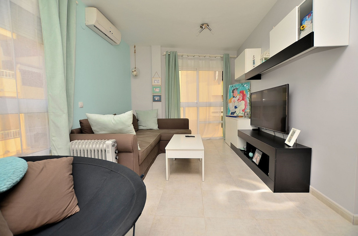 NICE APARTMENT IN IMMACULATE CONDITIONS located in Las Lagunas (Mijas Costa), walking distance to al,Spain