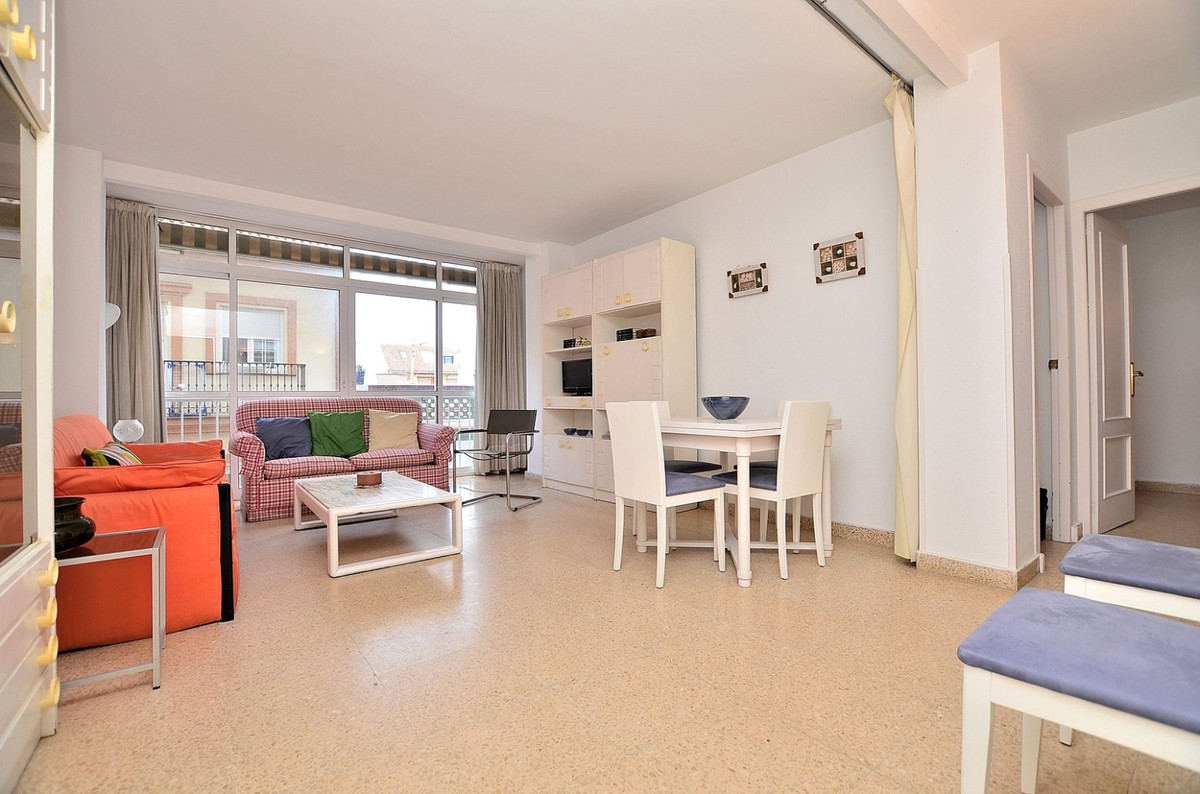 Front line complex located in ??Fuengirola. Great rental potential and superb location next to the b,Spain