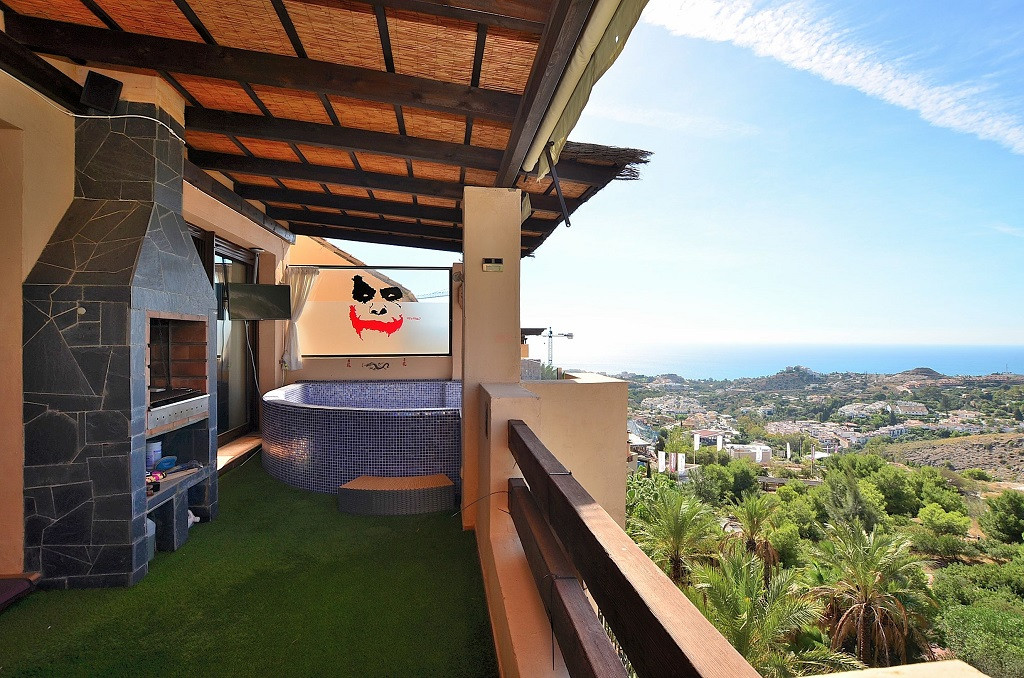 WONDERFUL DUPLEX PENTHOUSE WITH BREATHTAKING SEA VIEWS located in Benalmadena. Very sunny and bright, Spain