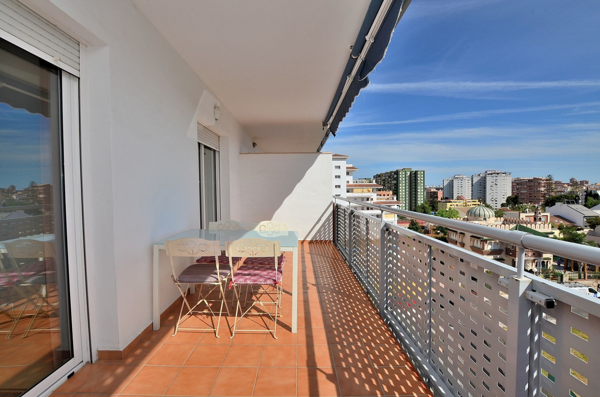 Beautiful apartment located in Los Boliches (Fuengirola), at only 650 mts from the beach. Very sunny, Spain