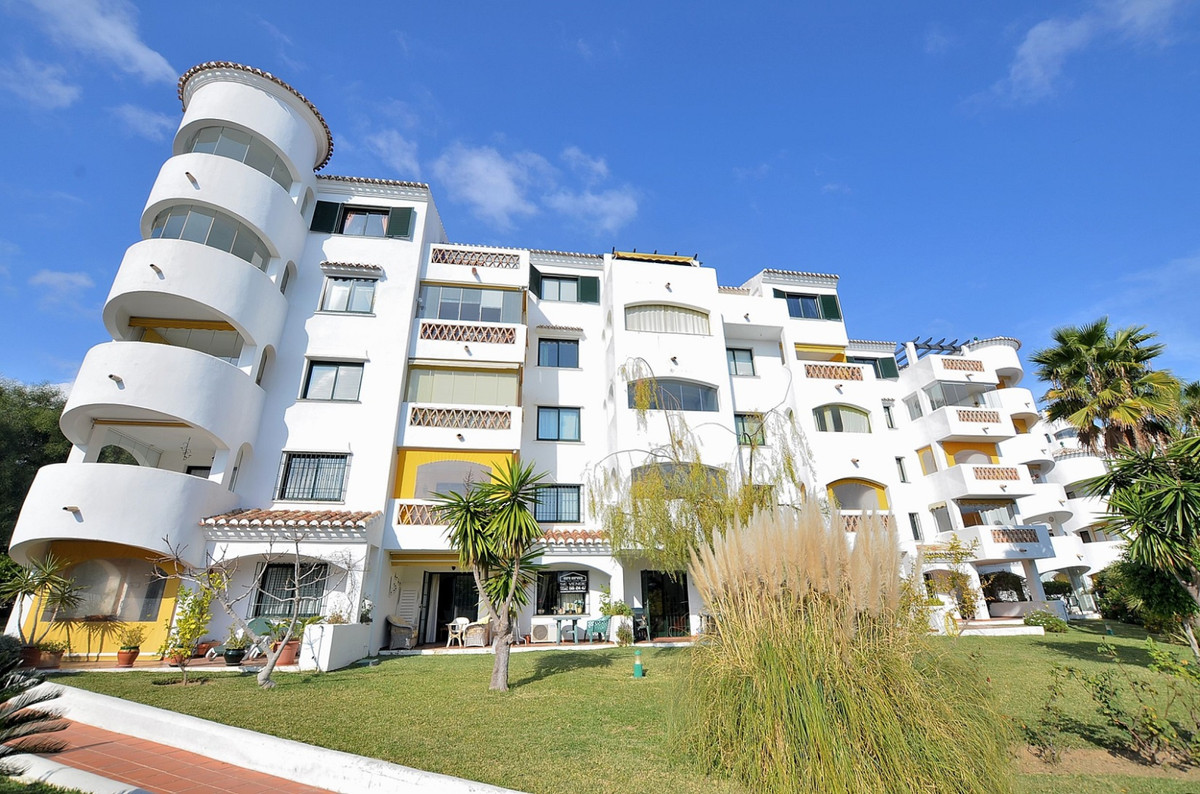 WONDERFUL APARTMENT located in Benalmadena Costa, in a beautiful Andalusian style complex with commu, Spain