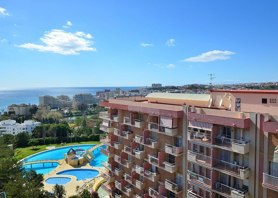 FANTASTIC STUDIO WITH NICE SEA and MOUNTAIN VIEWS located in Benalmadena Costa, in a popular complex,Spain