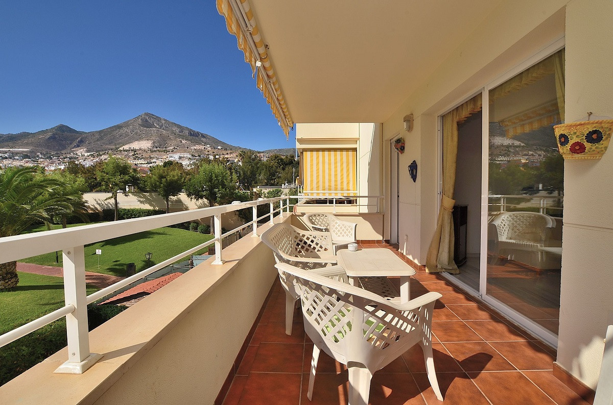 VERY SUNNY AND BRIGHT APARMENT WITH NICE VIEWS located in Arroyo de la Miel (Benalmadena), in a beau,Spain