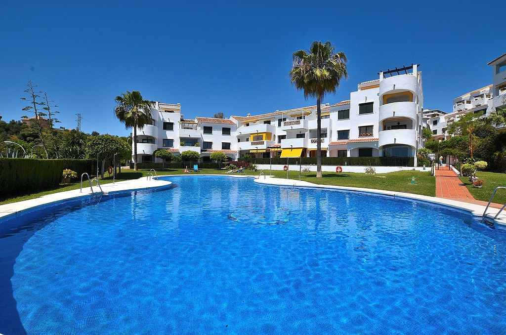 WONDERFUL APARTMENT WITH GREAT TERRACE and PARTIAL SEA VIEWS located in Benalmadena Costa, in a nice,Spain