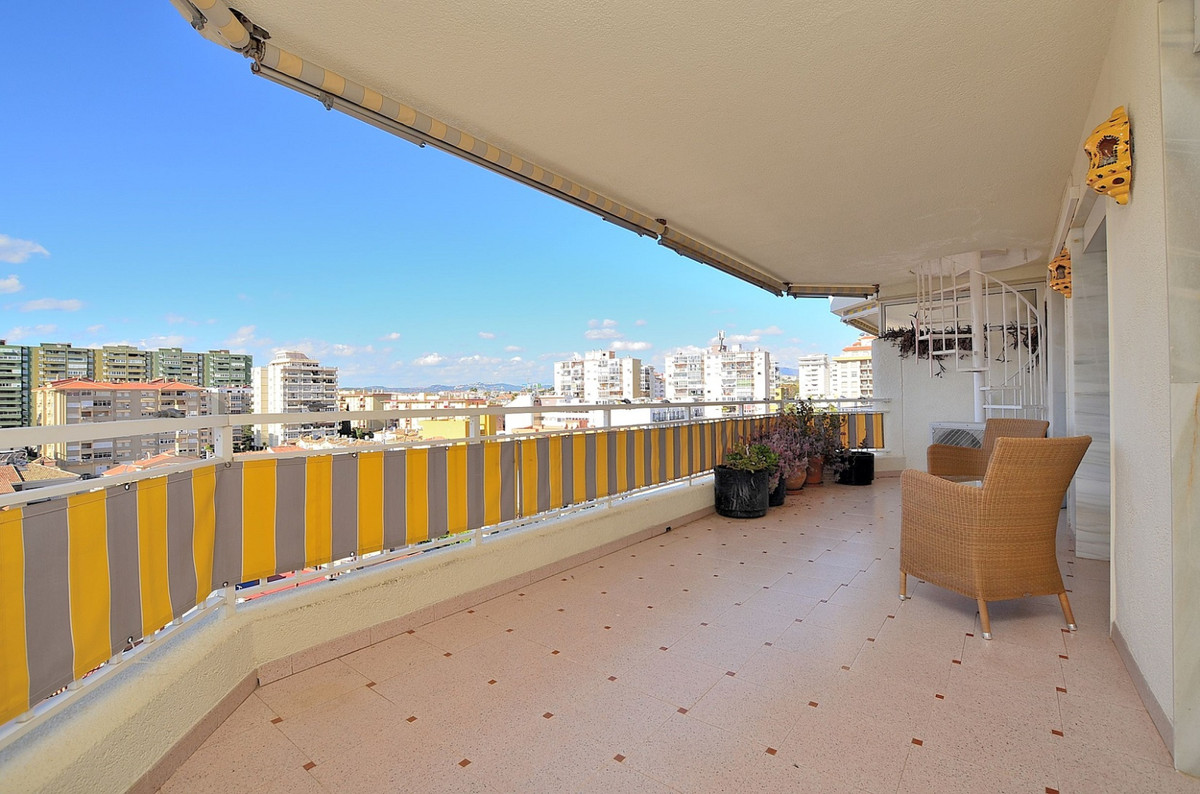 FANTASTIC PENTHOUSE WITH HUGE SOLARIUM OF 74 M2 located in Los Boliches (Fuengirola), just 300 mts f, Spain