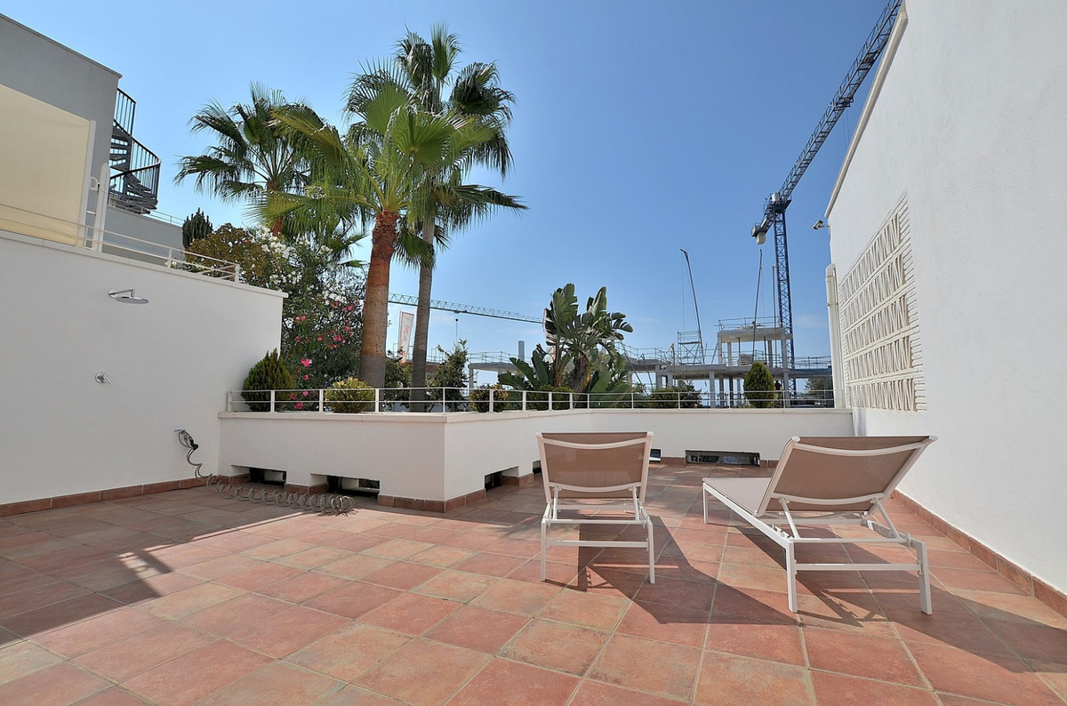 SPECTACULAR MODERN PROPERTY located in Benalmadena Costa, prime location just 150 mts from the beach,Spain