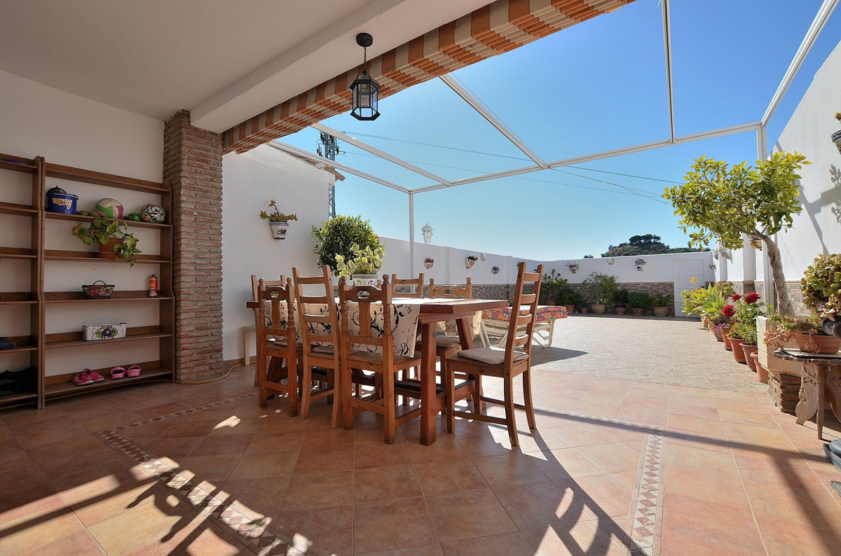 TOWNHOUSE WITH HUGE AND SUNNY PATIO located in Benalmadena Costa, in a beautiful urbanization with c,Spain