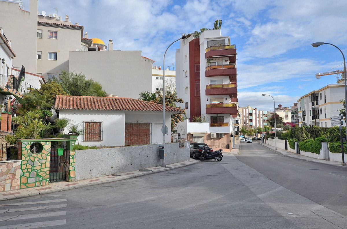 JUST REDUCED FROM 315.000 € to 254.900 € FOR A QUICK SALE!  UNIQUE INVESTMENT OPPORTUNITY!  CORNER P,Spain