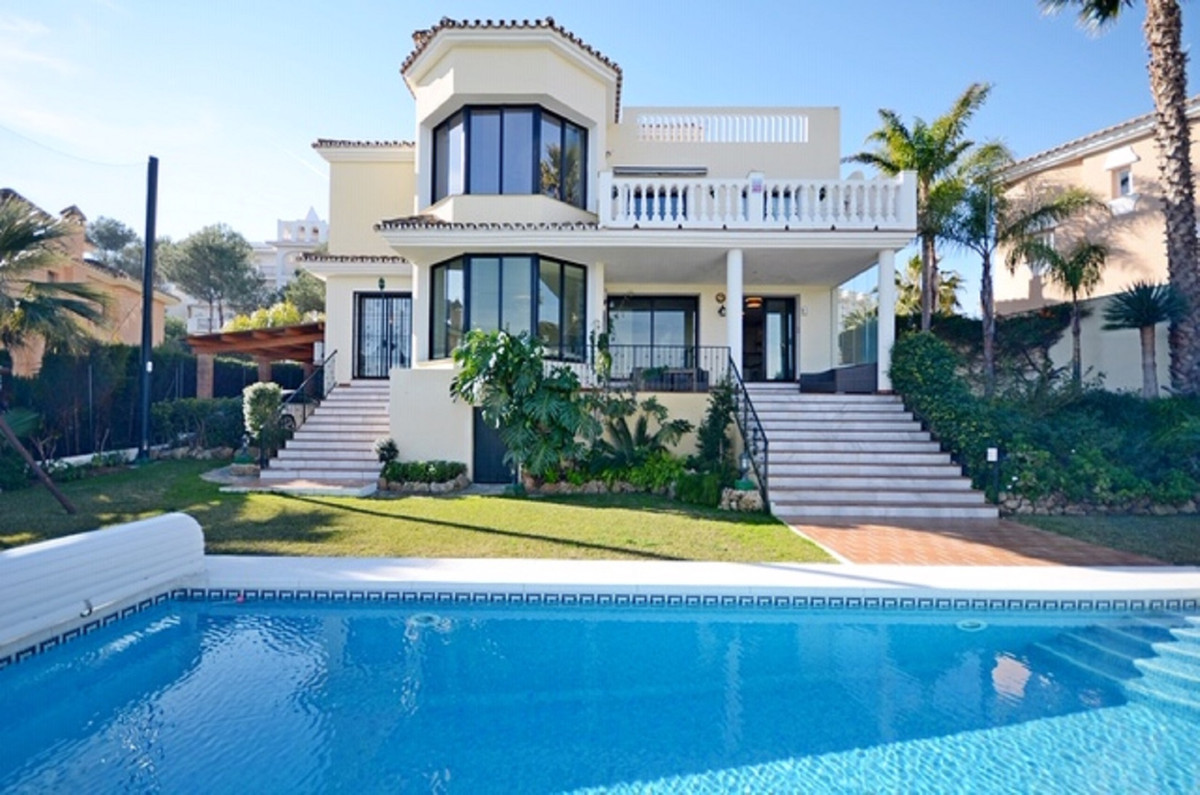 AMAZING VILLA WITH WONDERFUL VIEWS located in Miraflores urbanization (Mijas Costa). 1st GOLF LINE V, Spain