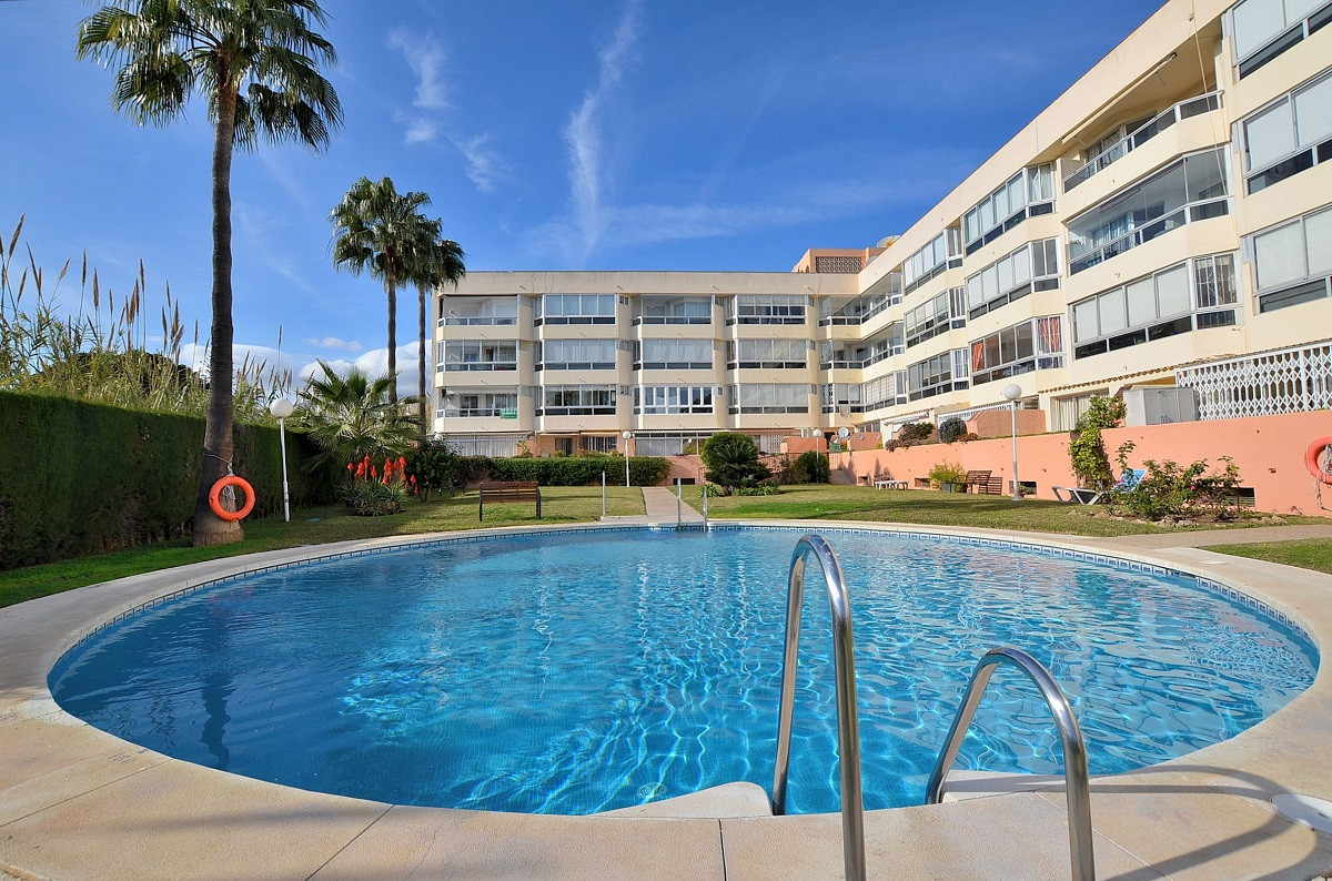 APARTMENT WITH NICE VIEWS located at the entrance of Benalmadena Costa - Torremolinos, just 350 mts ,Spain
