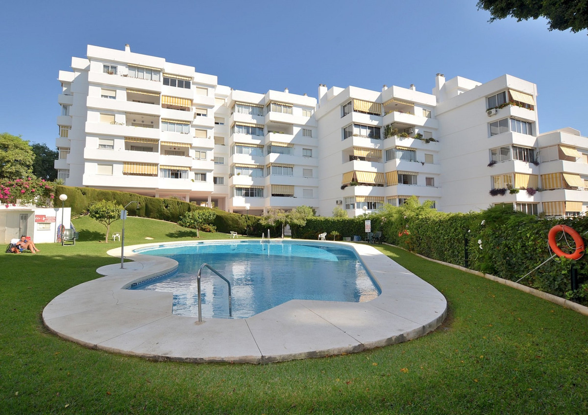 Just REDUCED from 189.000 € to 175.000 €!  Beautiful TOP FLOOR APARTMENT WITH FANTASTIC VIEWS locate,Spain
