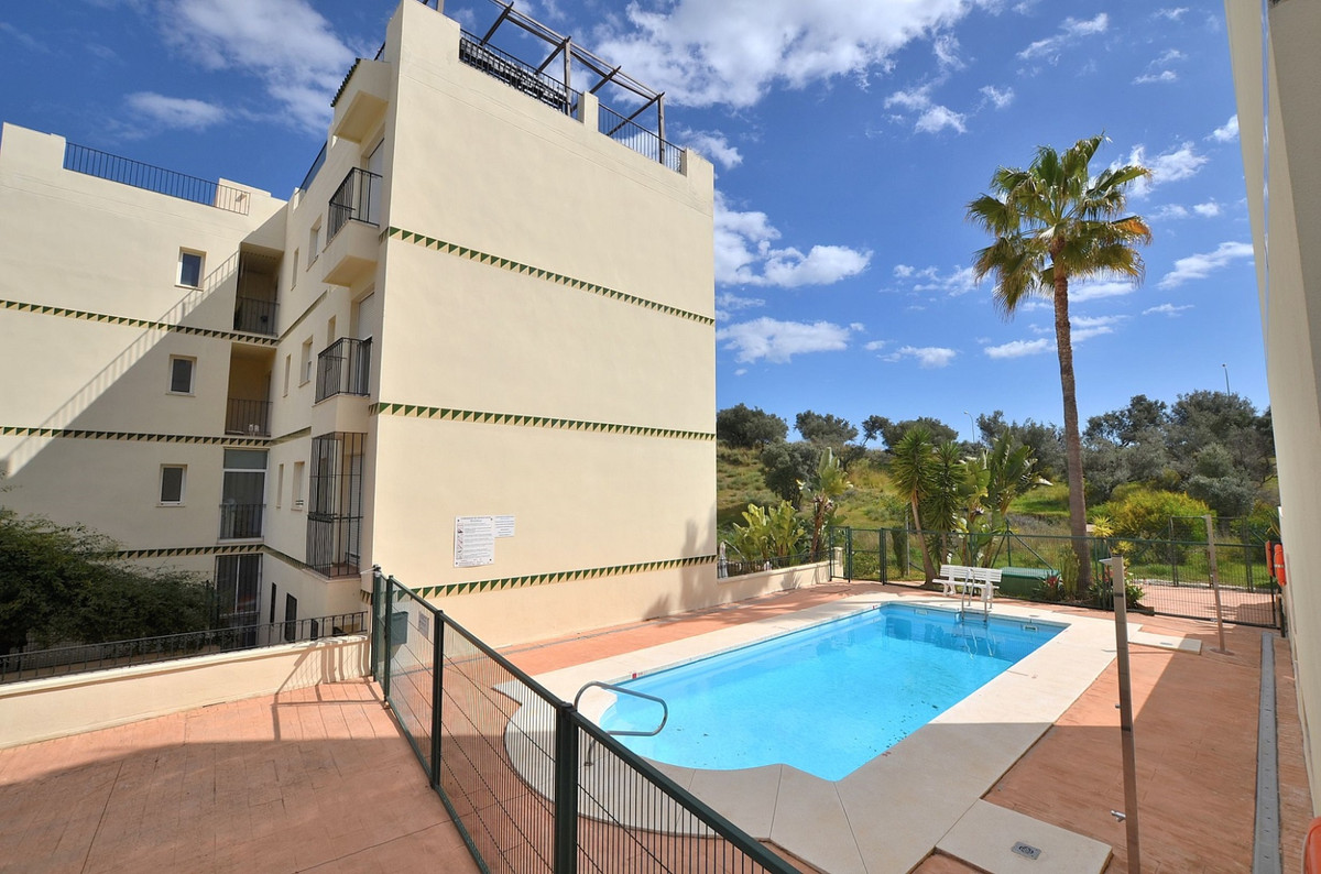 JUST REDUCED FROM 133.000 € to 123.000 €!  APARTMENT with LARGE TERRACE / GARDEN of 32 m2 located in, Spain