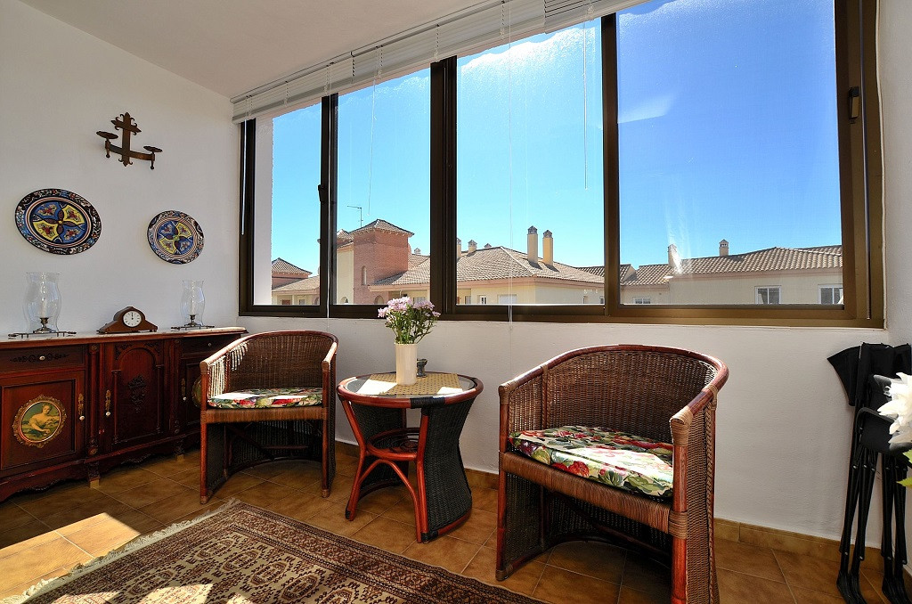 JUST REDUCED FROM 165.000 € to 154.000 €!  FANTASTIC CORNER TOP FLOOR APARTMENT located in lower Los,Spain