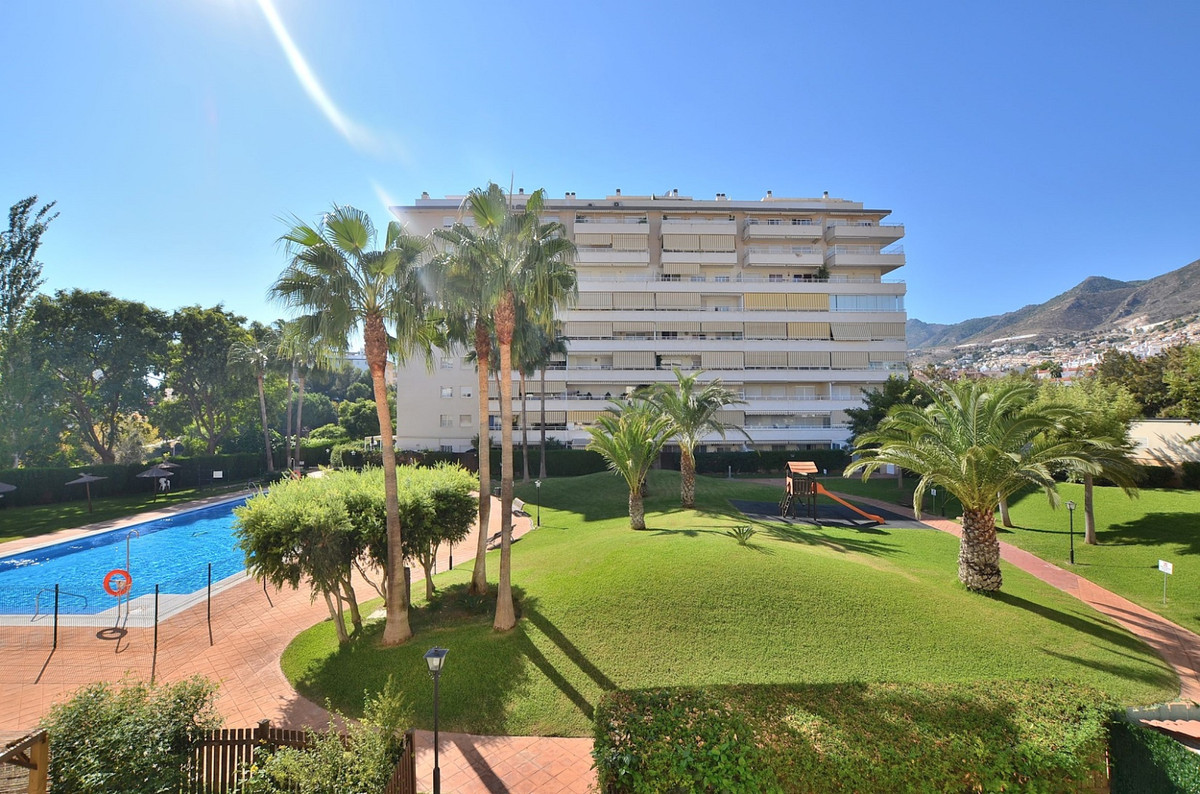 FANTASTIC APARTMENT WITH LARGE TERRACE OF 15 M2 AND BEAUTIFUL VIEWS located in Arroyo de la Miel (Be, Spain