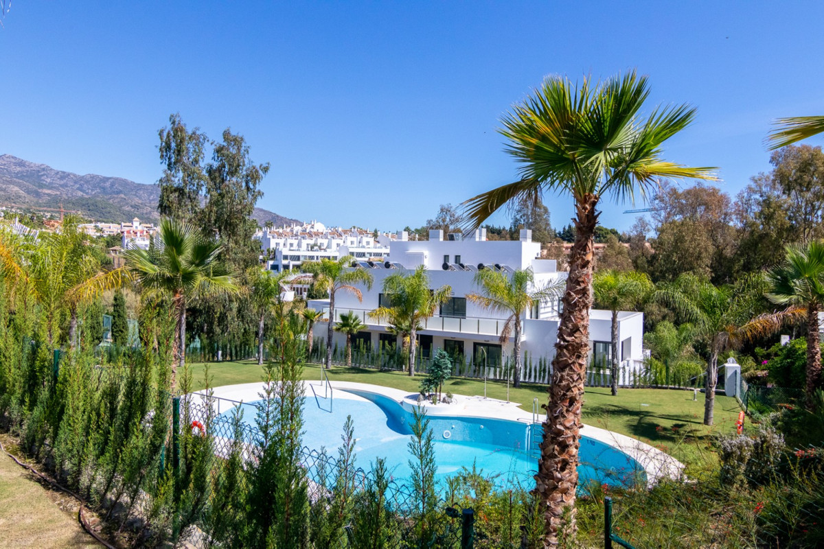 Located at the hotel PUENTO ROMANO, and within walking distance of the sea and promenade. The develo,Spain