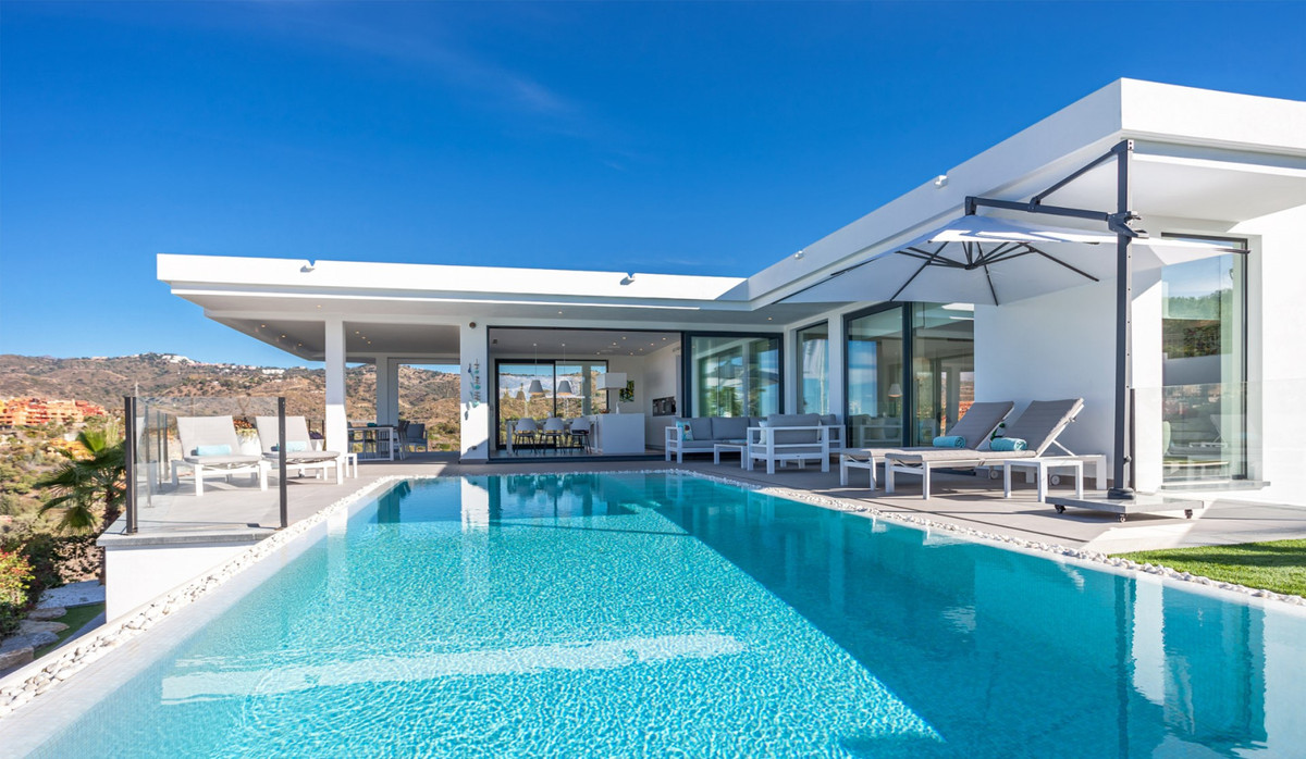 Villa  Detached for rent  in Cabopino
