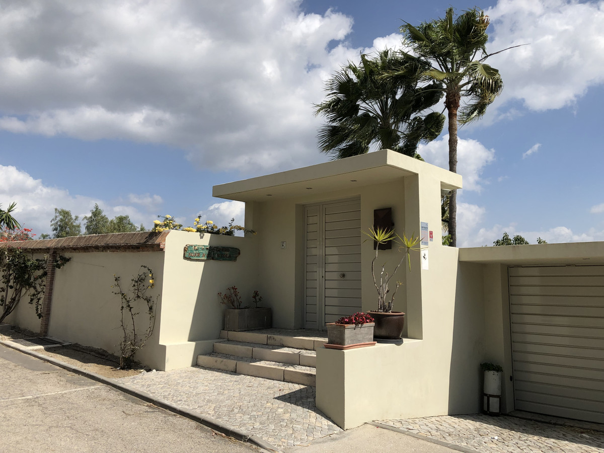 Charming completely refurbished villa nestled in a small country side urbanisation on the frontier o,Spain