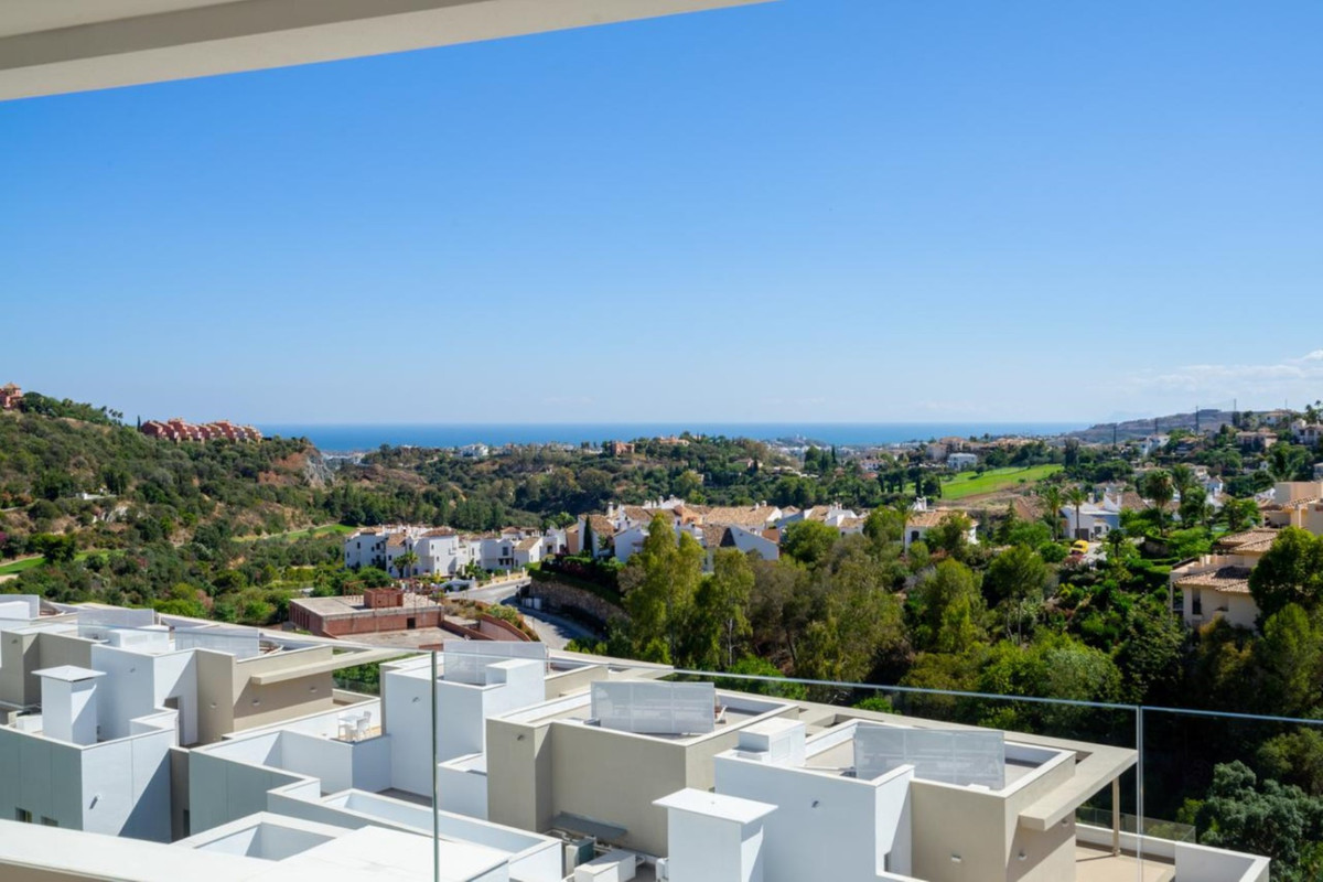 FOR RENT... LUXURY FURNISHED NEW-BUILD APARTMENT IN BENAHAVIS. This new residential development can , Spain