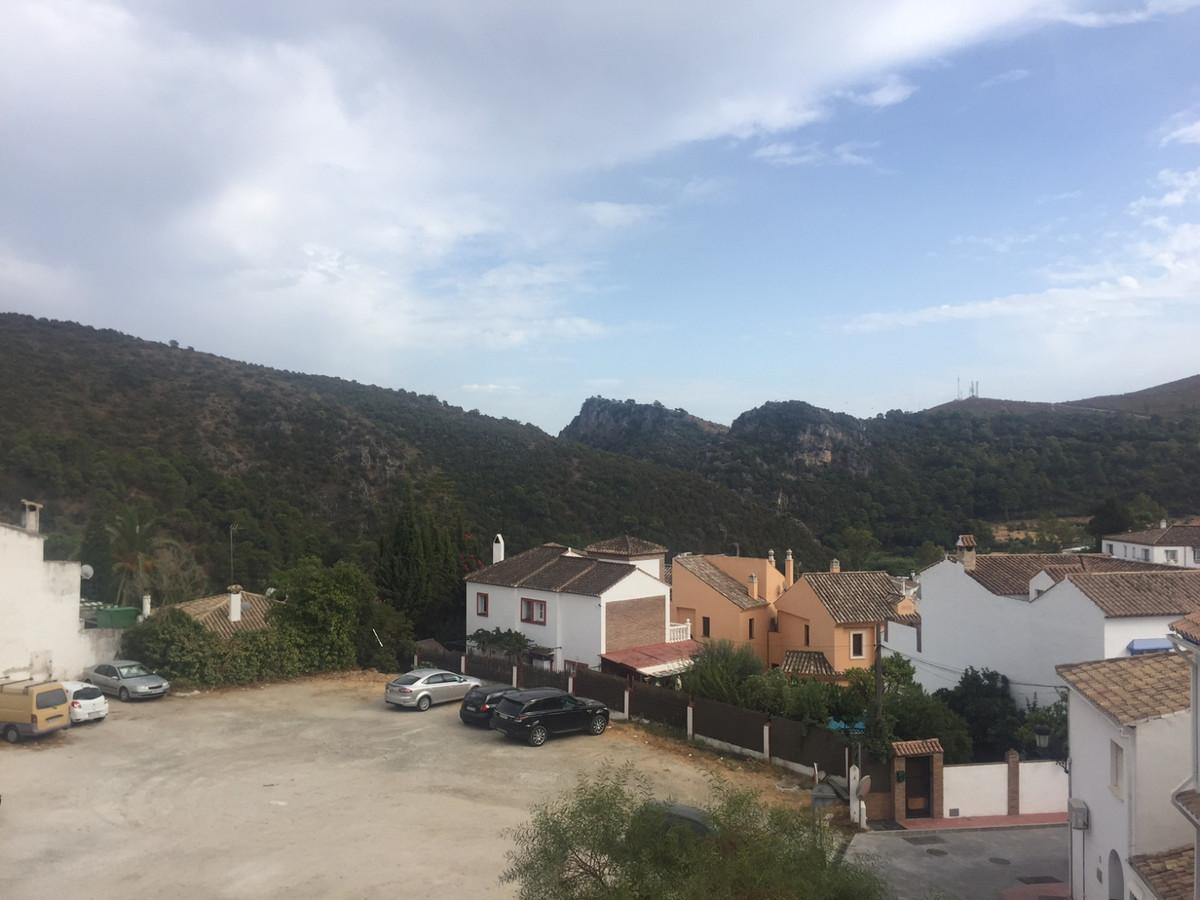 Marbella Banus Adosada en Venta en Benahavís – R3503671