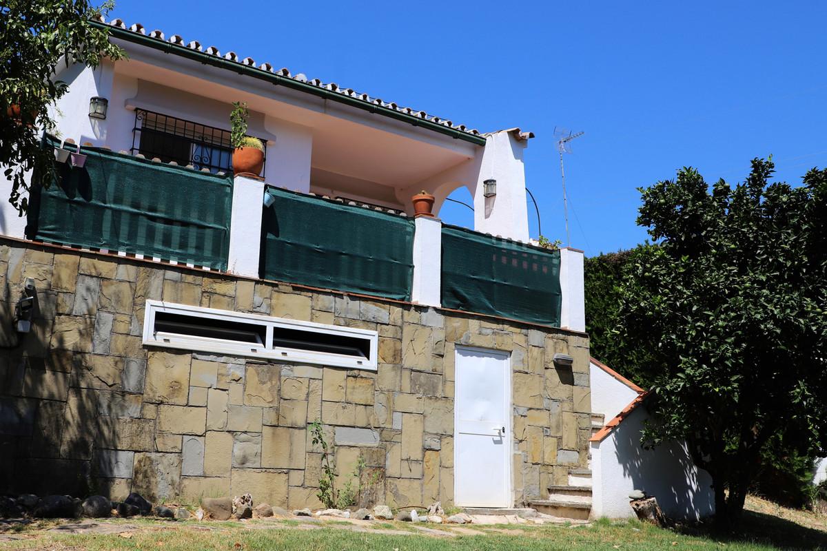 Detached Villa for sale in Nueva Andalucía R3523360