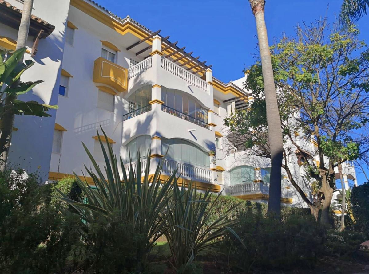 Marbella Banus Apartamento en Venta en Nueva Andalucía – R3867748