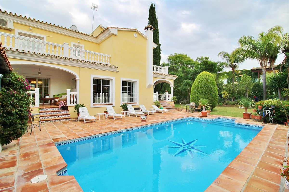 Luxurious villa for sale in Nueva Andalucia with six bedrooms in a private community in Marbella. Th, Spain