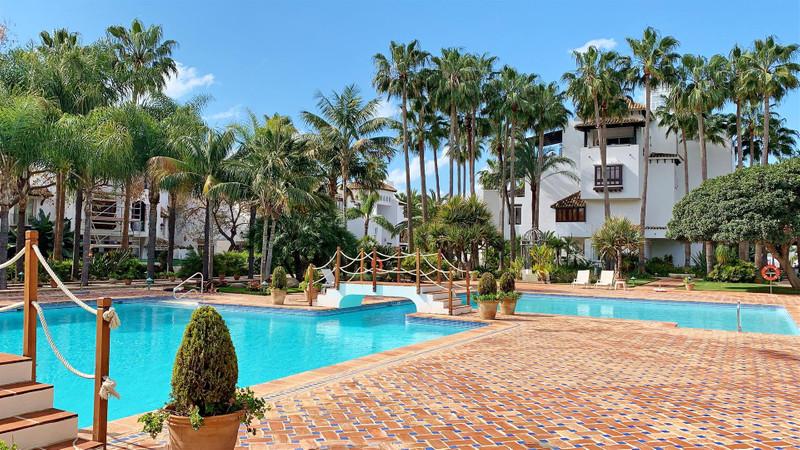 Marbella Banus Apartamento Planta Media, Marbella – R3615494