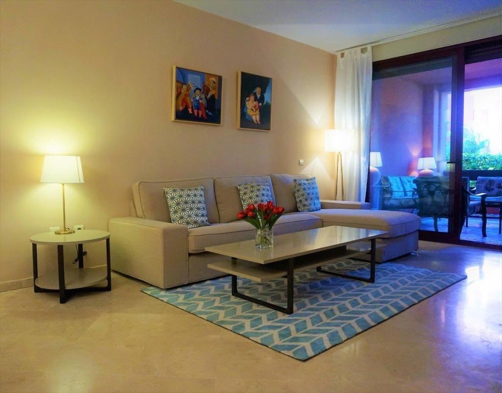 Apartamento Planta Baja en Venta en Marbella – R2109962