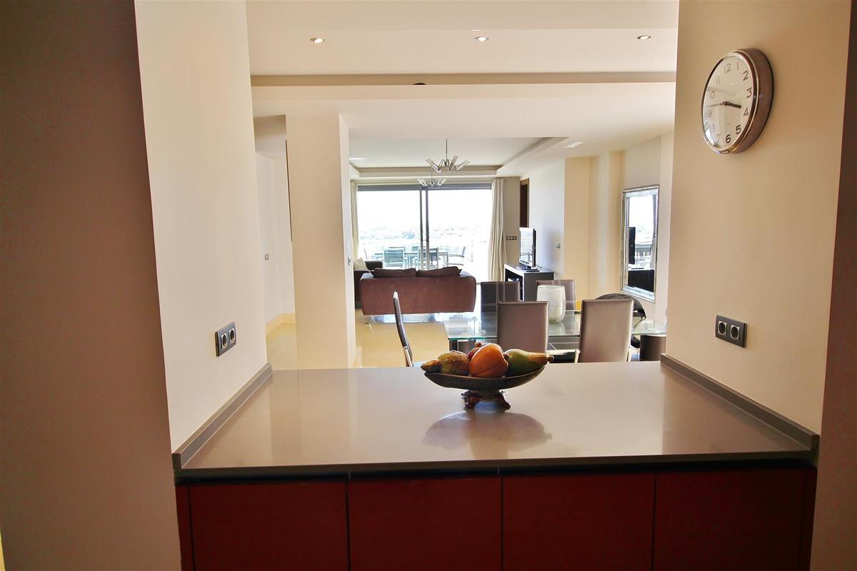 Apartamento en Venta en Benahavís – R3181114