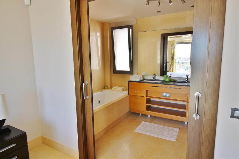 Apartamento Planta Baja, Benahavís – R3181114