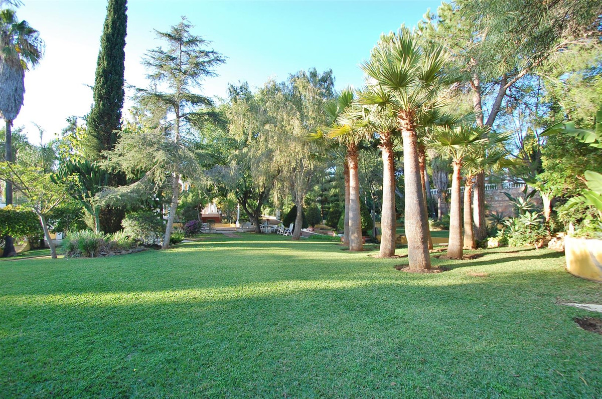 Plot of land in Hacienda Las Chapas. Superb plot of land situated in a tranquil residential area, ea, Spain