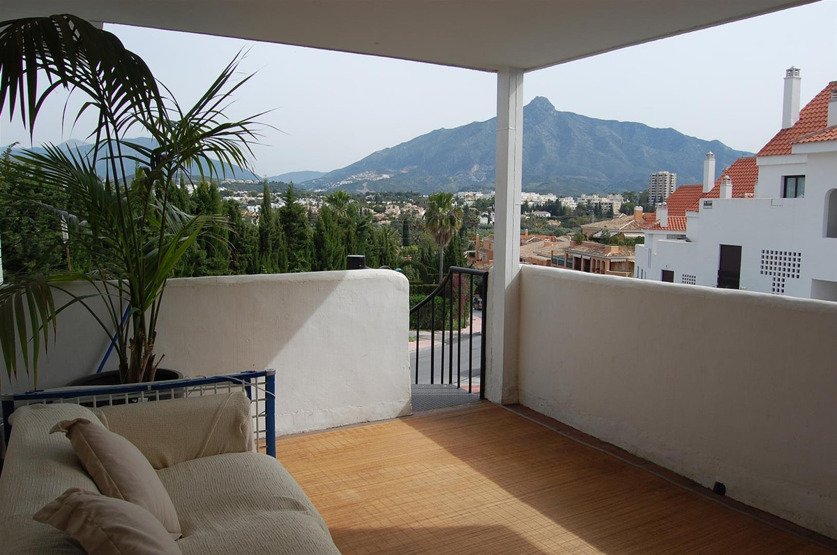 Superb two bedroom apartment located in an enclosed residential complex with beautiful communal gard, Spain