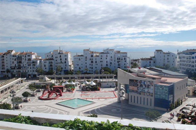 This luxurious south facing duplex penthouse offers spectacular open views towards the port and sea,,Spain
