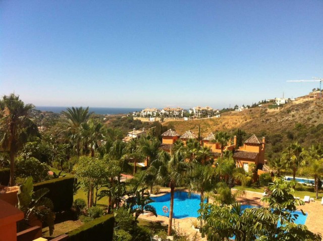 Fantastic southwest facing three bedroom townhouse is located in a tranquil urbanization in Benahavi,Spain
