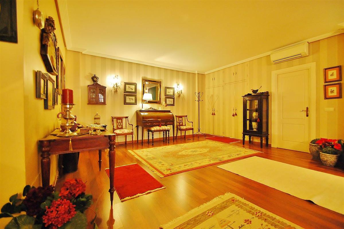 Apartamento en Venta en Marbella – R2554115