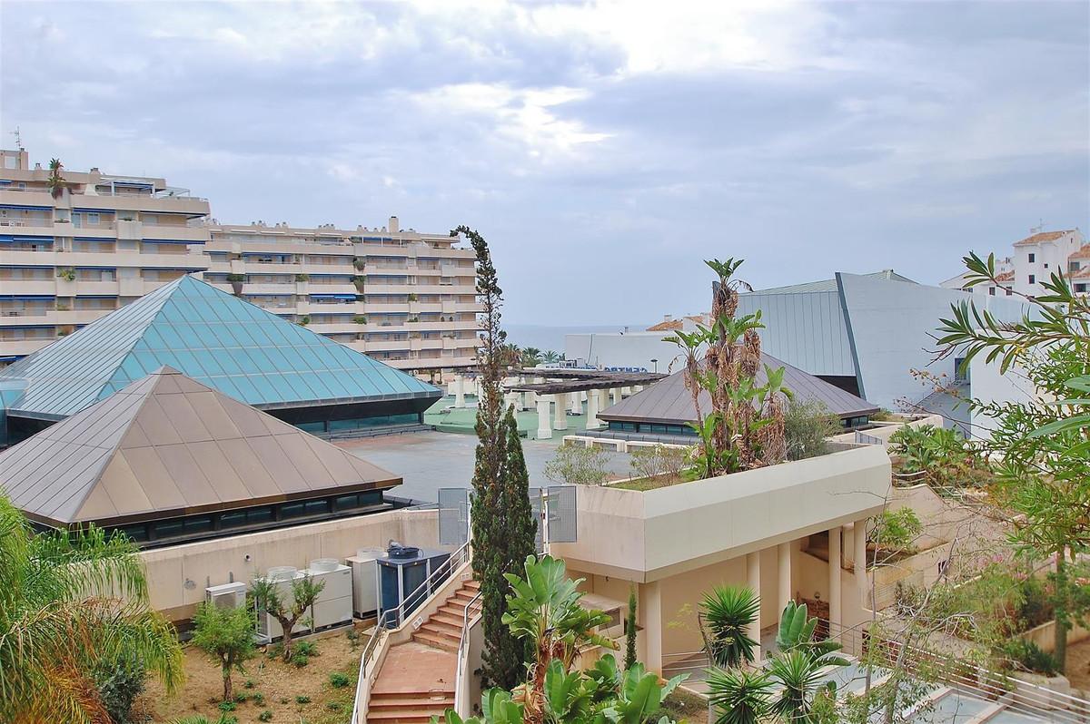 Marbella Banus Apartamento Planta Baja en Venta en Puerto Banús – R2805698