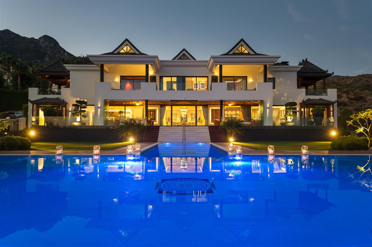 Modern One of a kind Mansion with Asian inspiration and panoramic sea views for sale in Marbella Gol,Spain