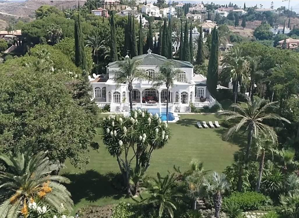 Marbella Banus Villa – Chalet en Venta en Benahavís – R2112152