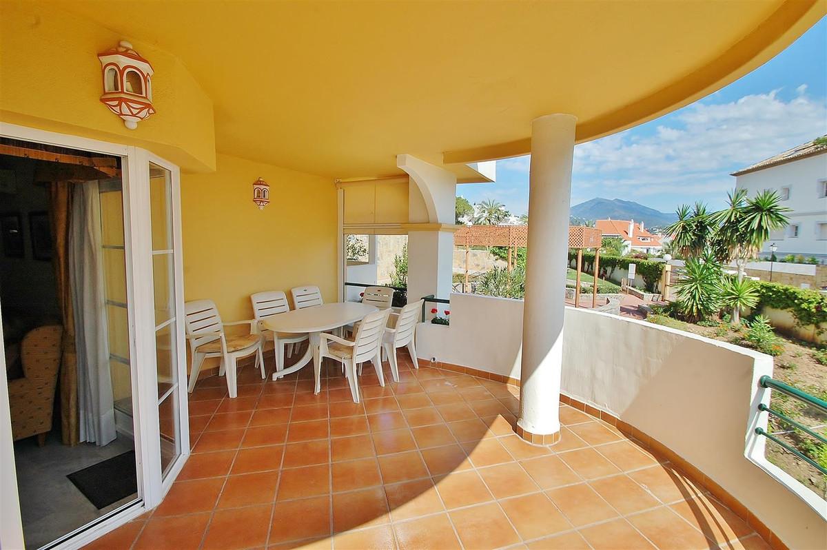 Apartamento Planta Media en Venta en Nueva Andalucía – R2682017
