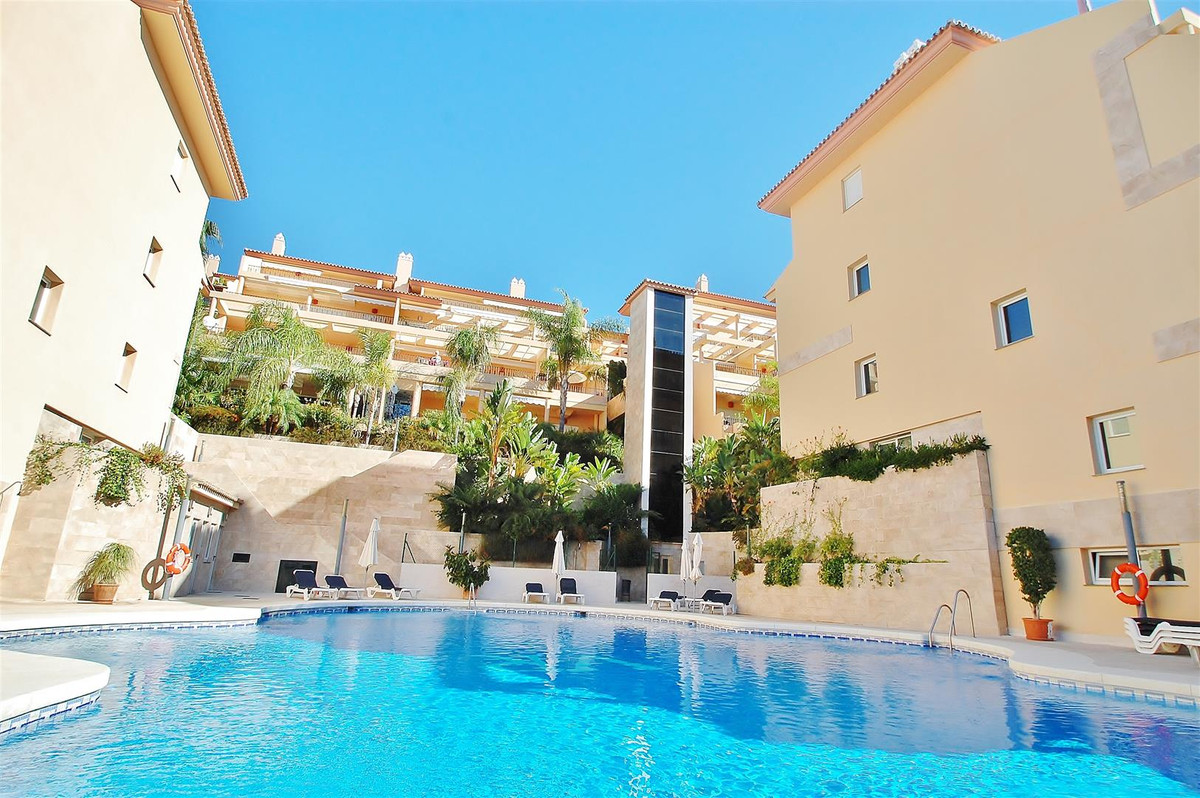 Luxury One Bedroom Apartment for sale in a exclusive development in Nueva Andalucia. Very spacious a,Spain