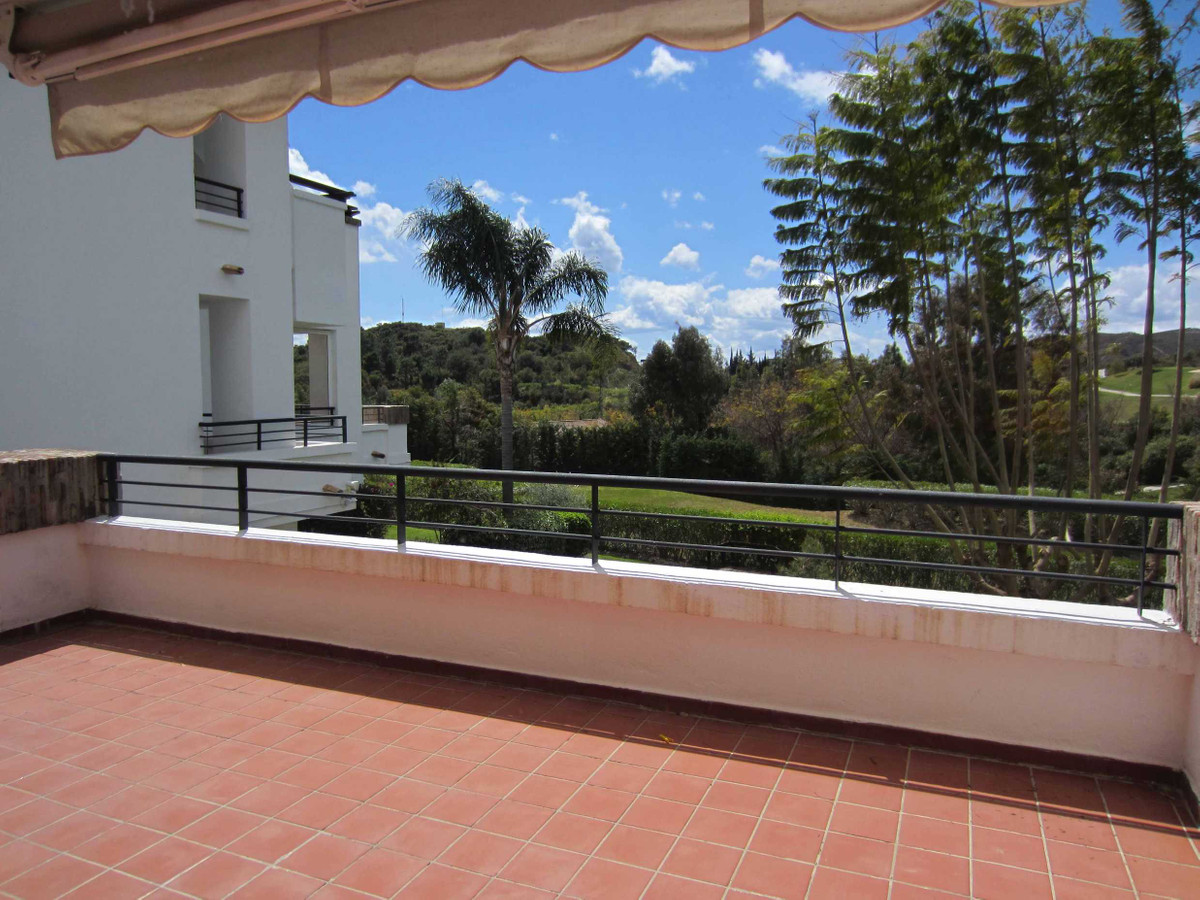 Rented until November 2021. This fantastic three bedroom apartment is situated in an enclosed reside,Spain
