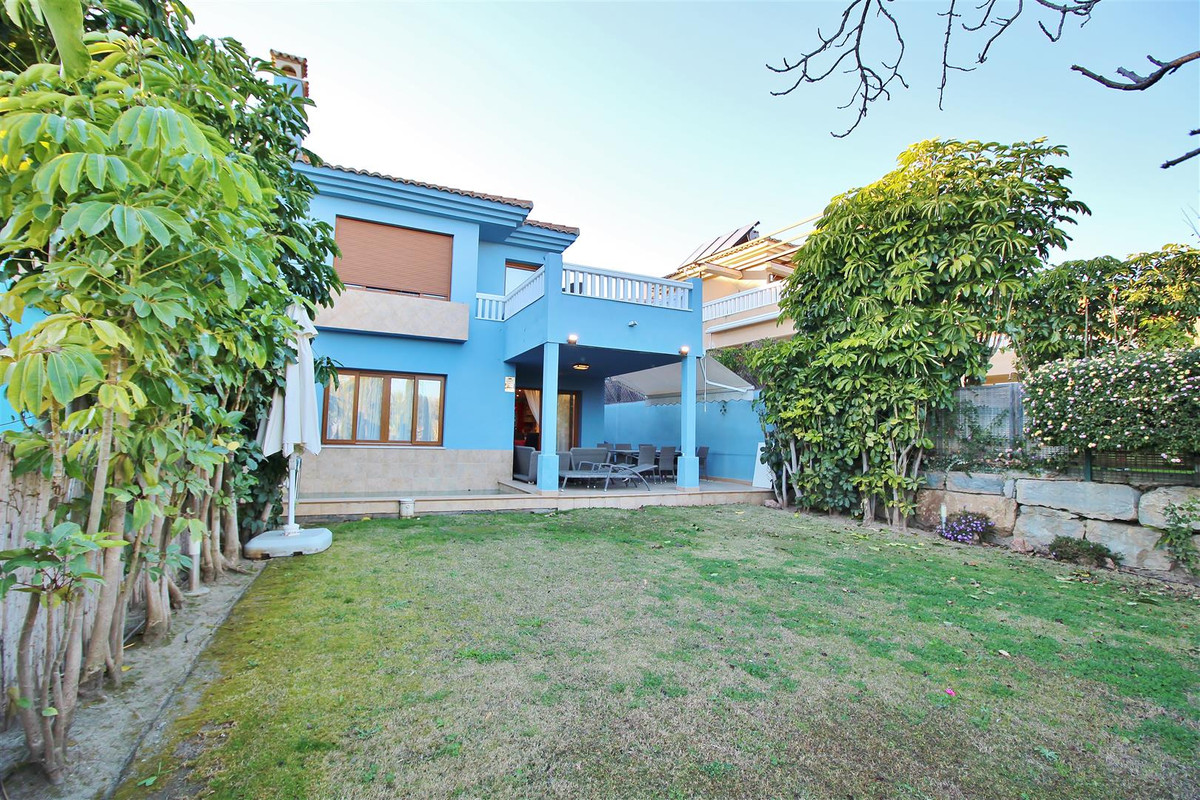 Stylish south-east facing semi detached villa for sale, located in the exclusive urbanization Reserv,Spain