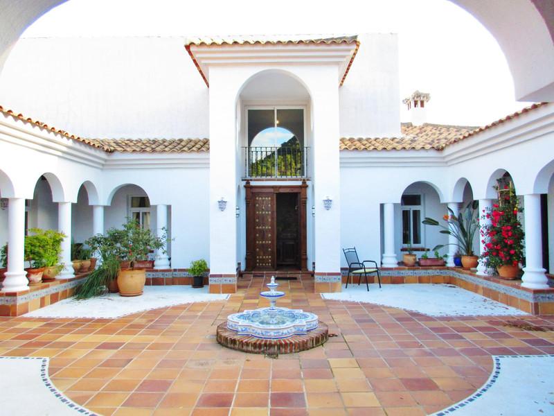 Marbella Banus Villa – Chalet en venta, Estepona – R2424590