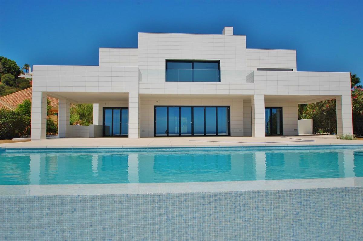 Marbella Banus Villa – Chalet en Venta en Benahavís – R2485442